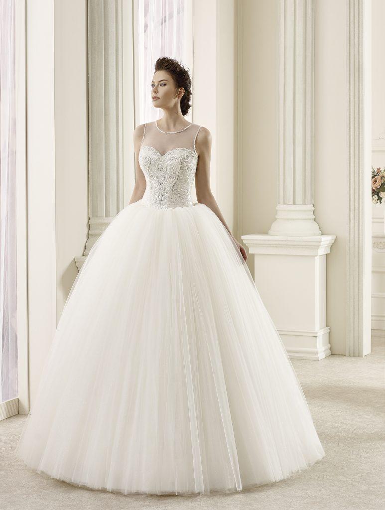 34cb6d5fa46c1 Düğününde gerçek bir prenses gibi görünün - 19458. Düğün gününde mükemmel  bir gelin olmak isteyenler, öncelikle gelinlik modelini ...