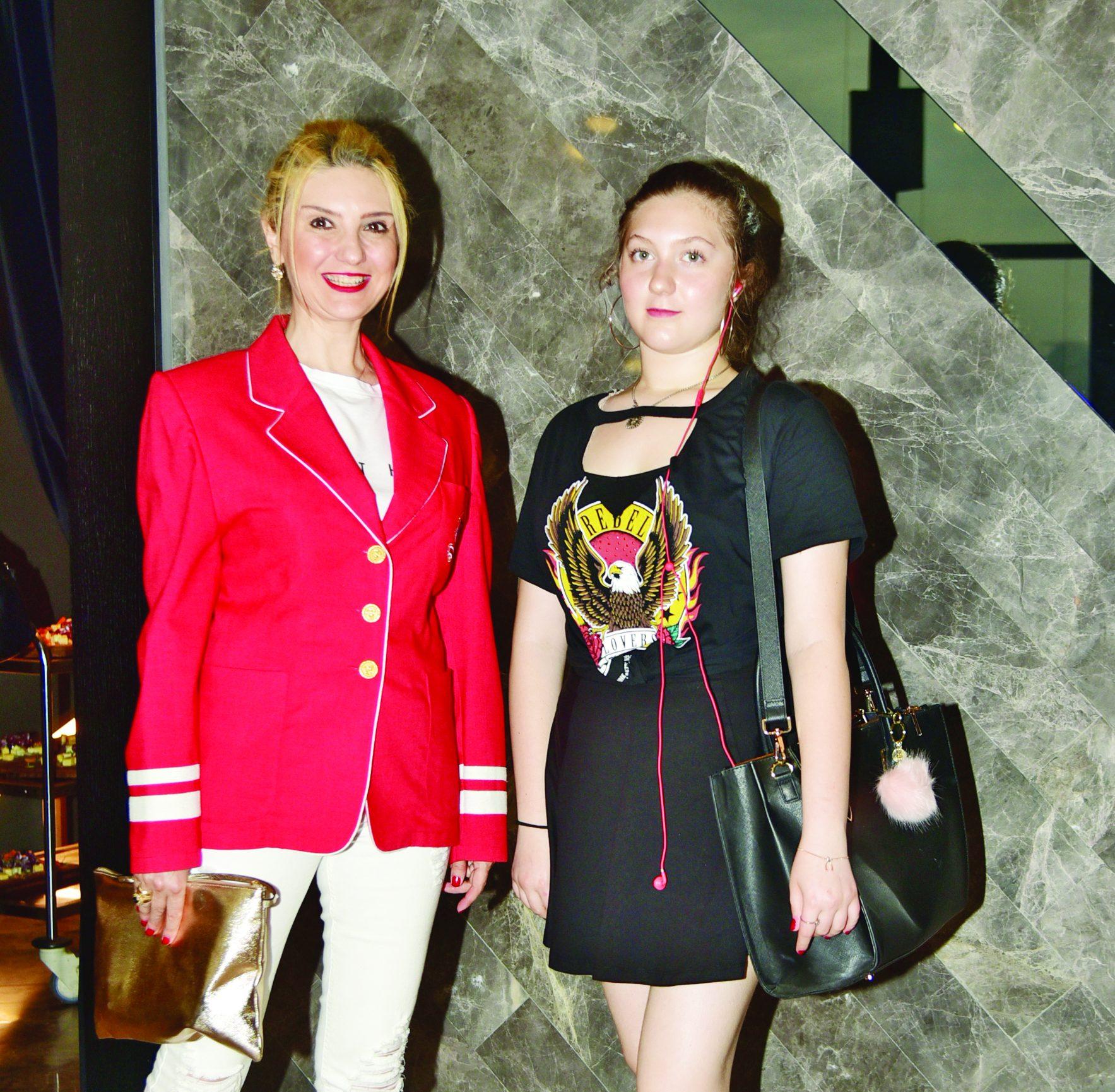 732feca3f63aa Koton'un yeni elbiseleriyle renkli ve çiçekli bir yaz geliyor - Diva ...