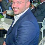 Ünlü iş adamı Polat Gülman Kanyon'daki Escale Restoran'da bir arkadaşıyla buluştu.