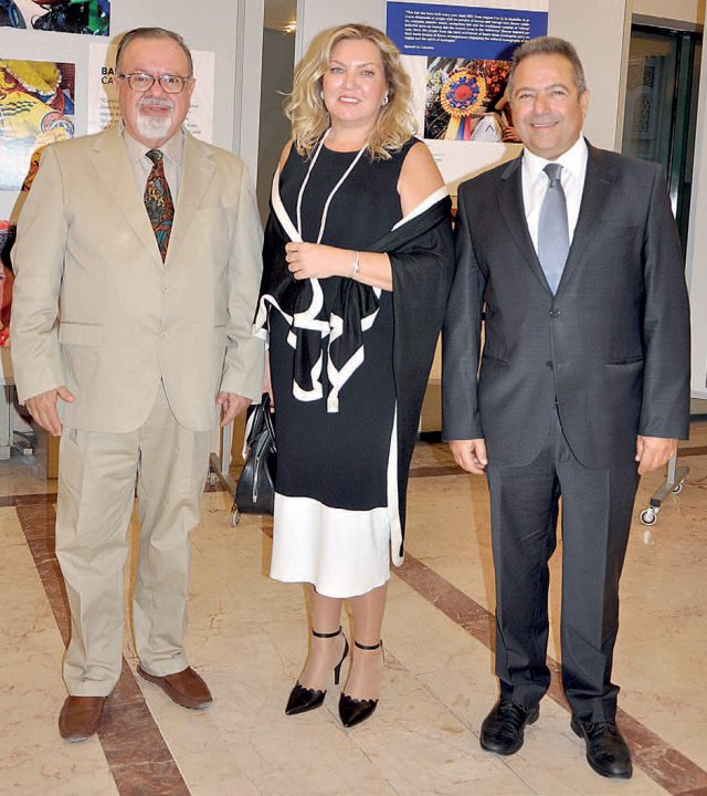 Juan Alfredo Pinto, Tina-Eli Alharal-divamagazin
