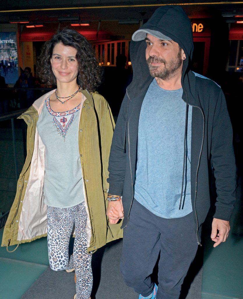 Şarkıcı Kenan Doğulu ile oyuncu eşi Beren Saat, Gina'da akşam yemeği yedikten sonra Cinemaximum'da Bohemian Rhapsody filmini izledi. Kenan Doğulu-Beren Saat çifti daha sonra Kanyon'dan ayrıldı.