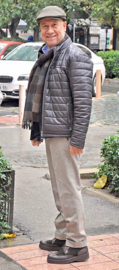 Alsancak'ta karşımıza çıkan Halil Ağaoğlu, Almanya' da fuara katıldıktan sonra İzmir'e döndü.