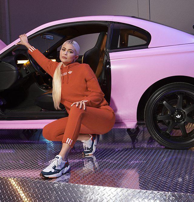 1544717366_adidas_Originals_Falcon_X_Kylie_Jenner__2_