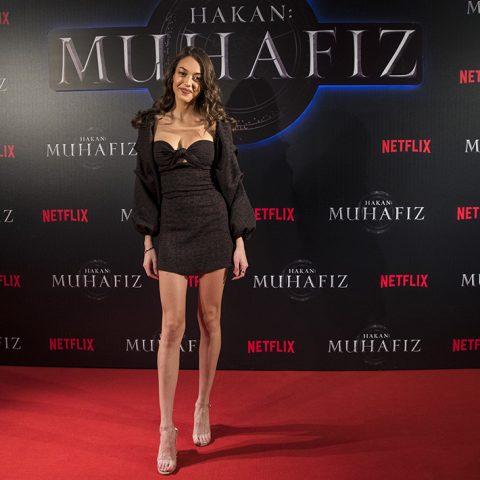 """Dilan Deniz Çiçek, Netflix'in orijinal serisi """"Hakan: Muhafiz"""", Sakıp Sabancı Müzesi, İstanbul'da. 5 Aralık 2018."""