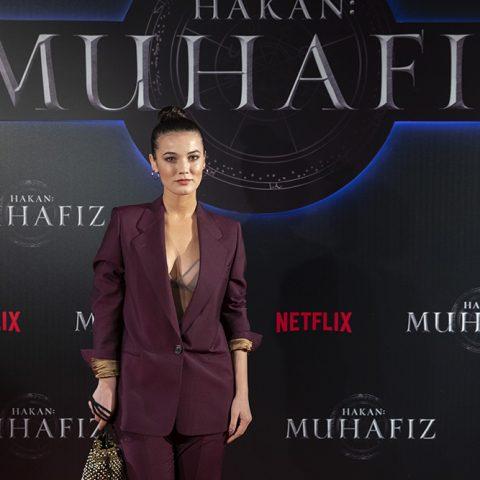 """Pınar Deniz, Netflix'in orijinal serisi """"Hakan: Muhafiz"""", Sakıp Sabancı Müzesi, İstanbul'da. 5 Aralık 2018."""