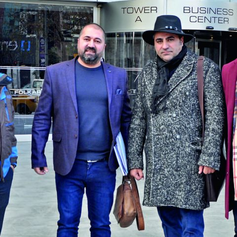 Almanya merkezli Reklamision şirketinin yetkileri Burhan Üzgeç , Zülfikar Gören, Gökşen Turan Korondo Arsa Geliştirme A.Ş.'nin s ahibi Çetin Koçak ile Folkart Towers'ta bir araya geldi.