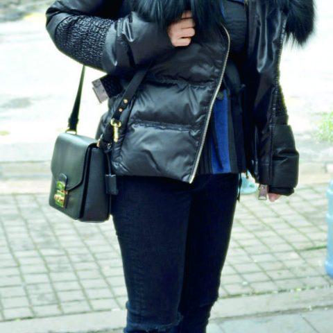 Ayşen Özkan, arkadaşlarıyla buluşmak için kafeye gidiyordu.