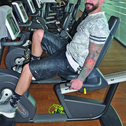 Başarılı DJ. Emrah Göktaş, Folkart Carrera Fitnes s& Spa'da düzenli olarak spor yapıyor .