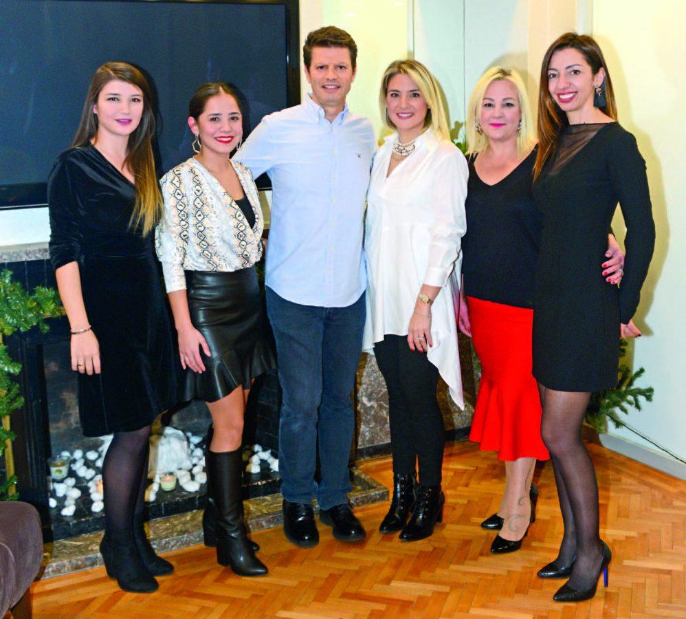Diş Hekimleri Uğur Bilkay ve Evrim Karadağ  Yeni yılı dostlarıyla karşıladı - 99399