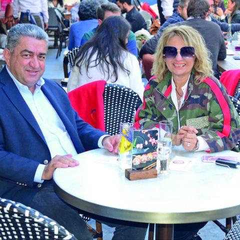 CHP İzmir Milletvekili Bedri Serter, eşi Huriye Serter ile %100 Rest Cafe&More'de objektifimize yansıdı.