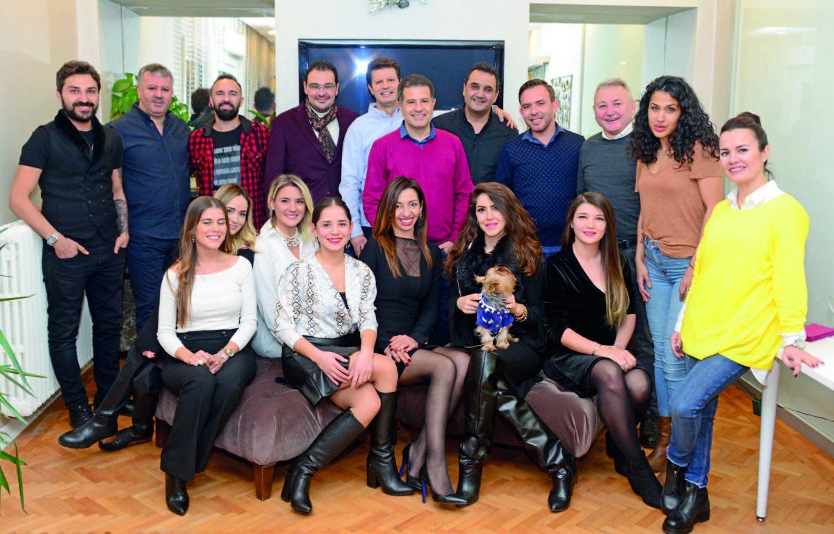 Diş Hekimleri Uğur Bilkay ve Evrim Karadağ  Yeni yılı dostlarıyla karşıladı - 99401