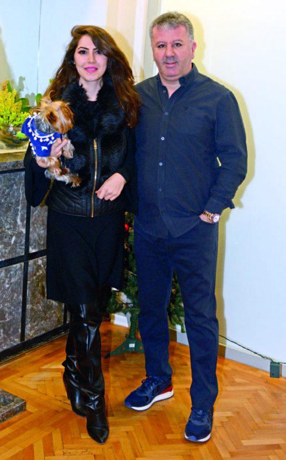 Diş Hekimleri Uğur Bilkay ve Evrim Karadağ  Yeni yılı dostlarıyla karşıladı - 99397