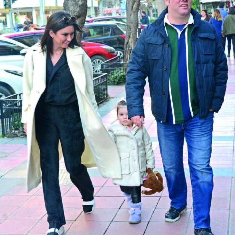 Buca Belediye Başkanı Levent Piriştina, eşi Ahu Hanım ve dünyalar tatlısı kızı Arya ile hafta sonu Alsancak'taydı.