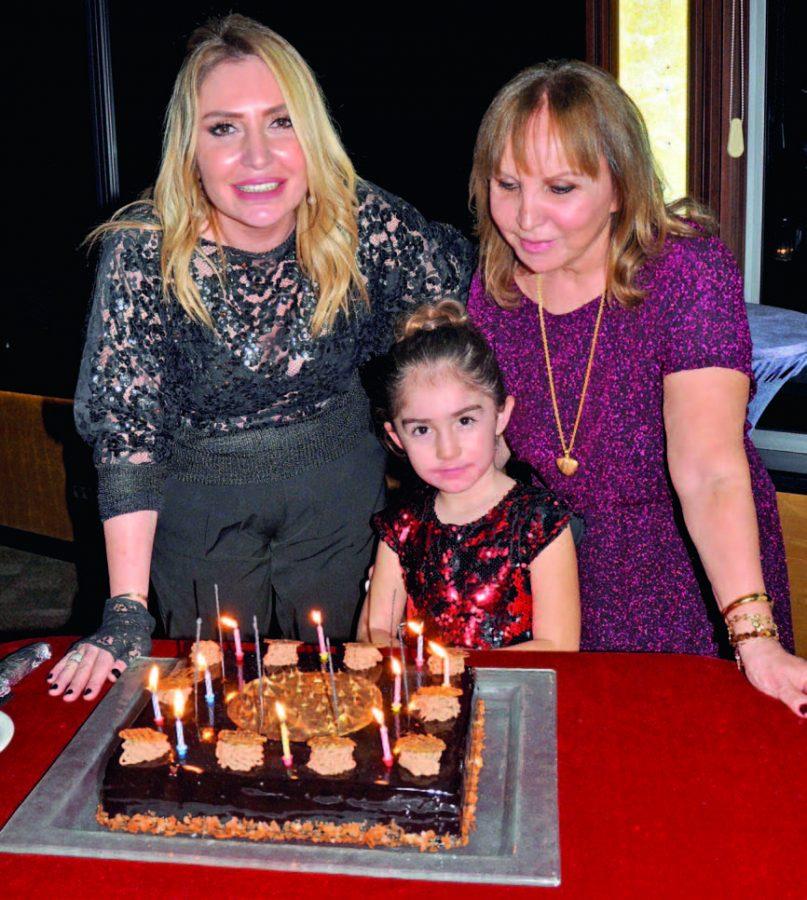 Biriçim Didem Özkardeş yeni yaşını dostlarıyla kutladı - 100664