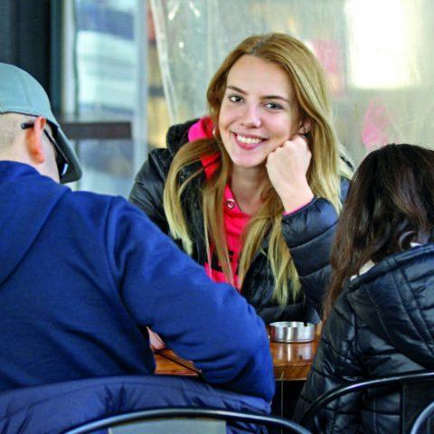 Miss Turkey 2007 birincisi, manken ve oyuncu Selen Soyder, memleketi İzmir'deydi . Soyder, yakınlarıyla birlikte Alsancak' ta bulunan kafelerde, alışveriş mağazalarında zaman geçirdi.