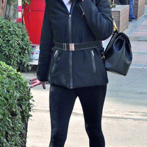 Modacı Leyla Maro, spor yaptıktan sonra, arkadaşları ile buluşup sıcak bir şeyler içmeyi tercih etti.