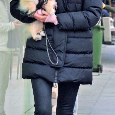 Şafak Tanık, sevimli köpeği Joe'yu veterinere kontrole götürdüğünü söyledi