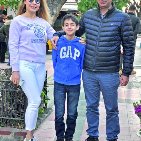 Uluslararası gemi brokeri Ali Yıldırım, iş seyahati için Dubai'ye gitmeden önce eşi Gülşen Yıldırım ve oğulları Kaan ile alışveriş turundaydı.