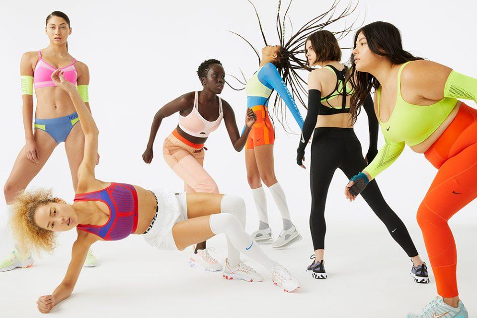 1552460016_Nike_Bra_Group_Indy_Fenom_Motion_SneakersSwoosh_Bold_WEB_original