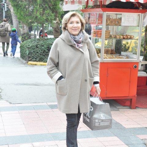Op. Dr. Selma Kaşkaloğlu, Reyhan Pastanesi'nden çıktıktan sonra görüntülendi.