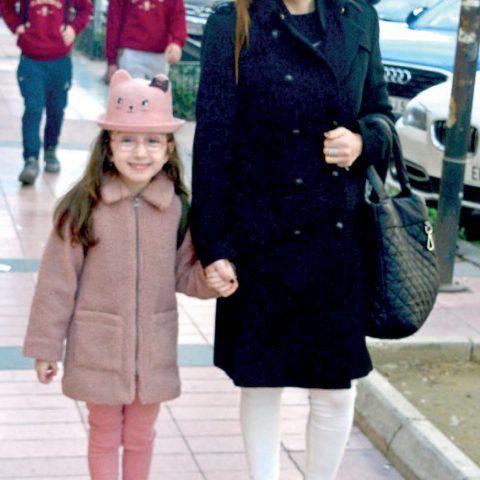 Ece Özboyacı, kızını okuldan aldıktan sonra kırtasiye alışverişi yapmak için Kıbrıs Şehitleri'ne gitti.