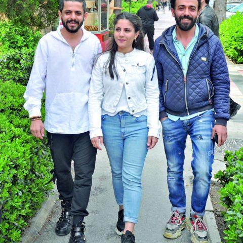 Sedat Biga Hair Studio İzmir Şubesi'nin sahipleri; Tahir Soysal kardeşi Hamdi Soysal ve eşi Çağla Soyal ile öğle yemeği molası vermişler.