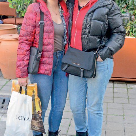 Tina Alharal, kızı Natal ie ile alışveriş öncesi objektifimize yansıdı.