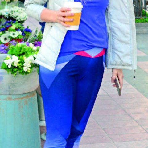İş kadını Ayşen Özkan, spor yaptıktan sonra kahve içmeyi tercih etti.