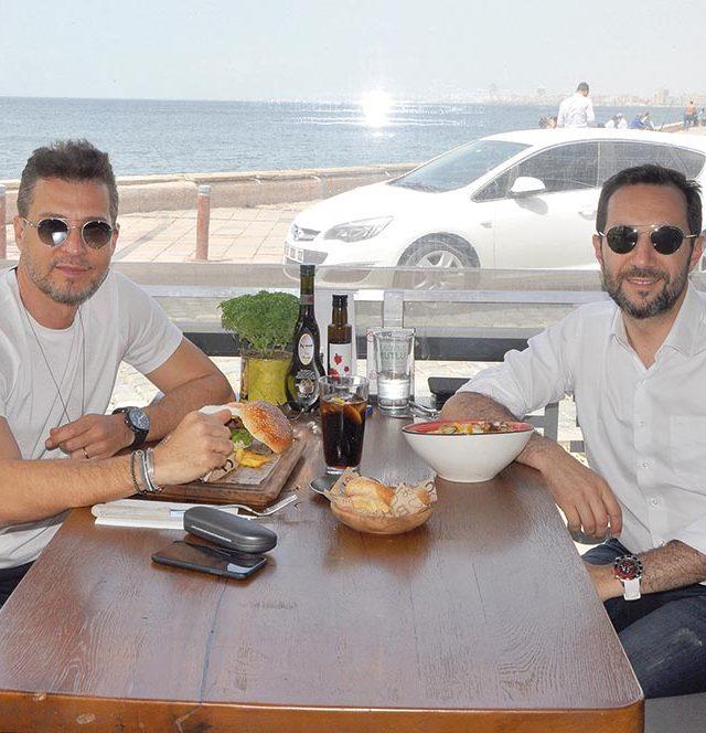 İzmir'in ünlü kulak, burun, boğaz uzmanları Op. Dr. Cem Karas ve Op. Dr. Sezgin Öztürk öğle yemeği için BigChefs'te bir araya geldiler.