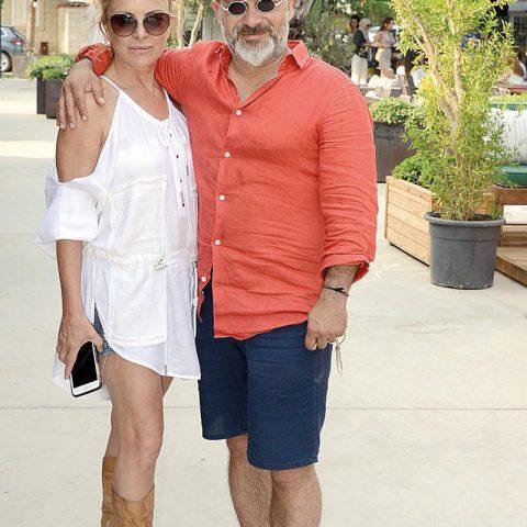 La Capria Suite Hotel'in sahipleri Mete Nisari ve eşi Alexandra La Capria baş başa akşam yemeğine gidiyorlardı.
