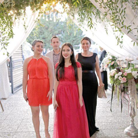 Alice, Ela, Aneliya, Yavuz Aydın
